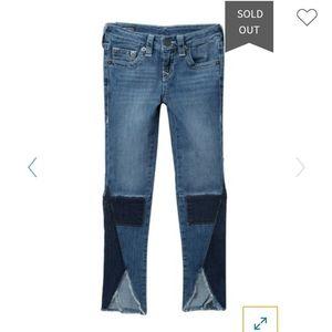 NWOT True Religion Halle single end patch jeans